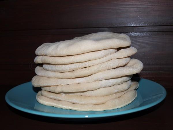 Petite assiette de pains pitas